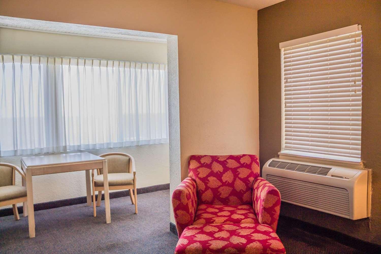 Room - Quality Inn Port Clinton
