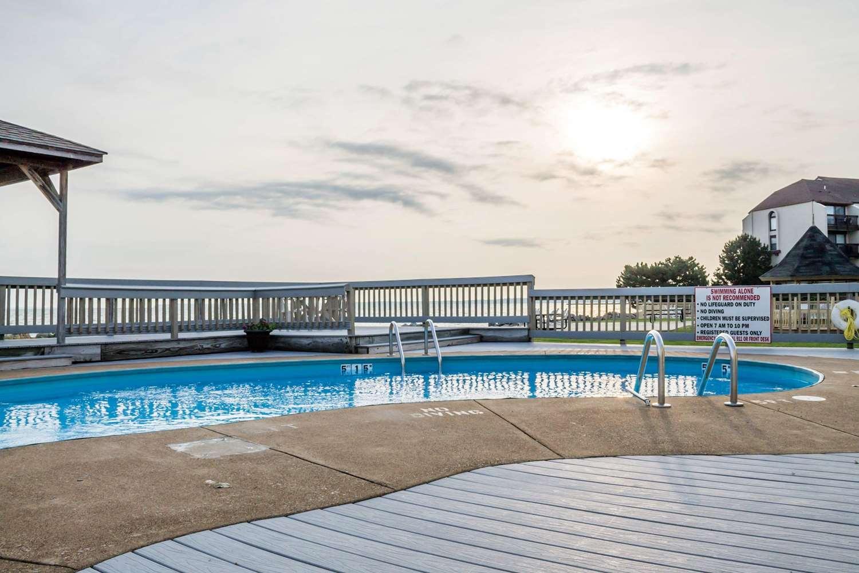 Pool - Quality Inn Port Clinton