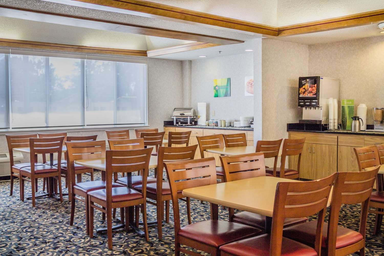 Restaurant - Quality Inn Port Clinton