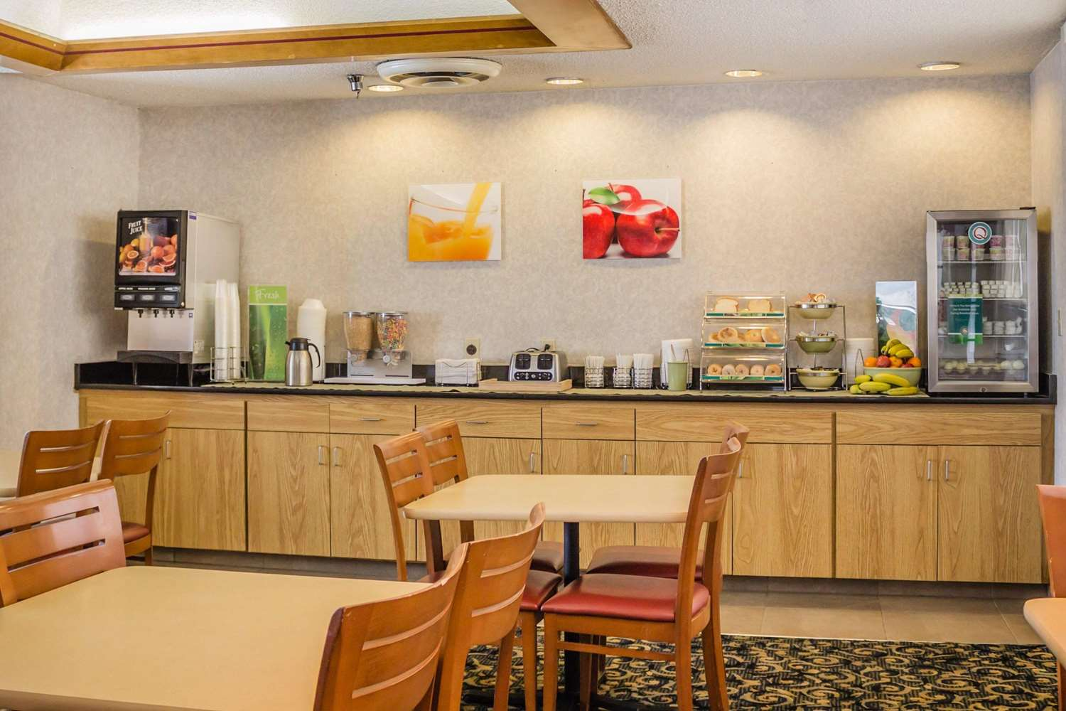Restaurant - Quality Inn Port Clinton
