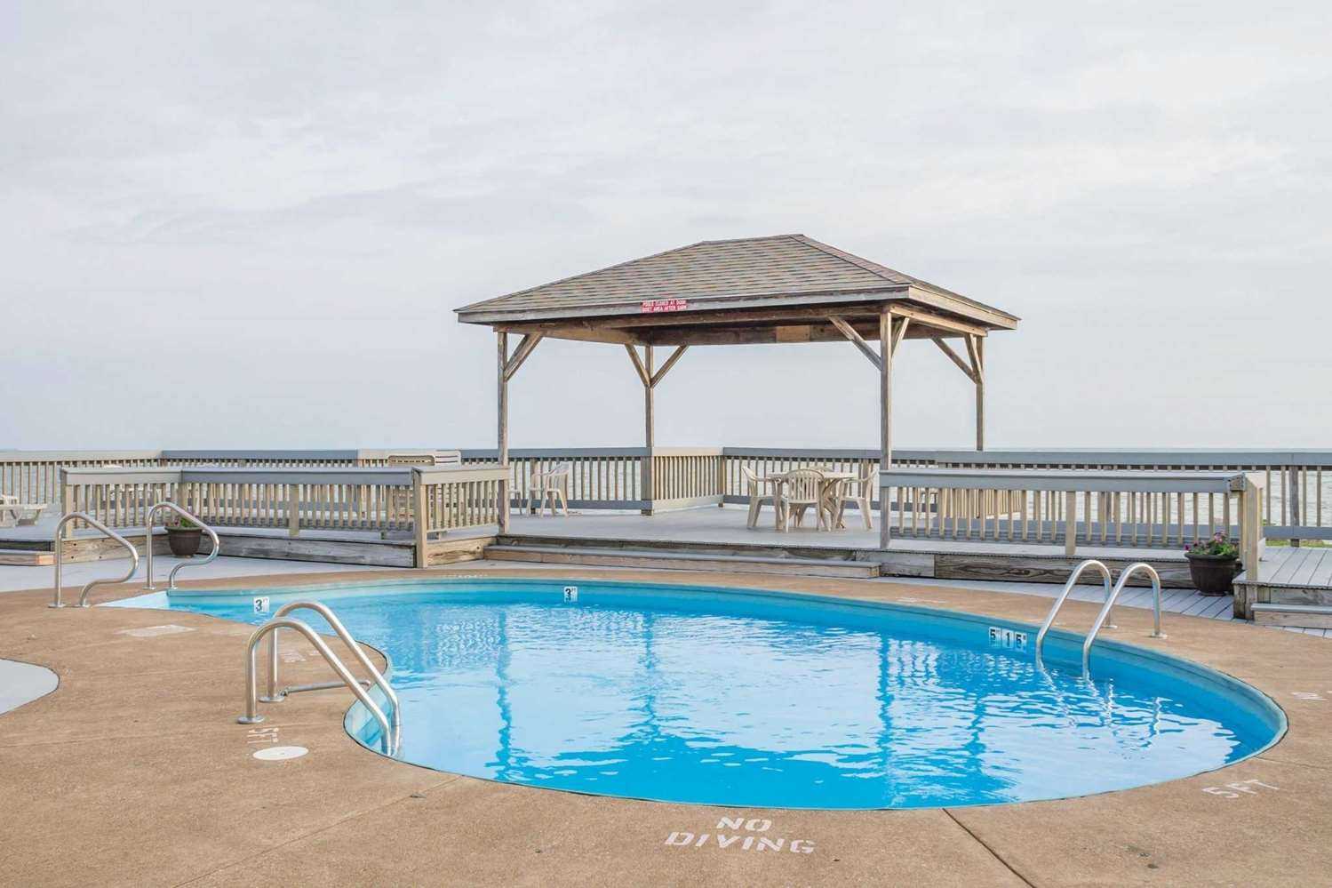 Pool - Quality Inn Port Clinton