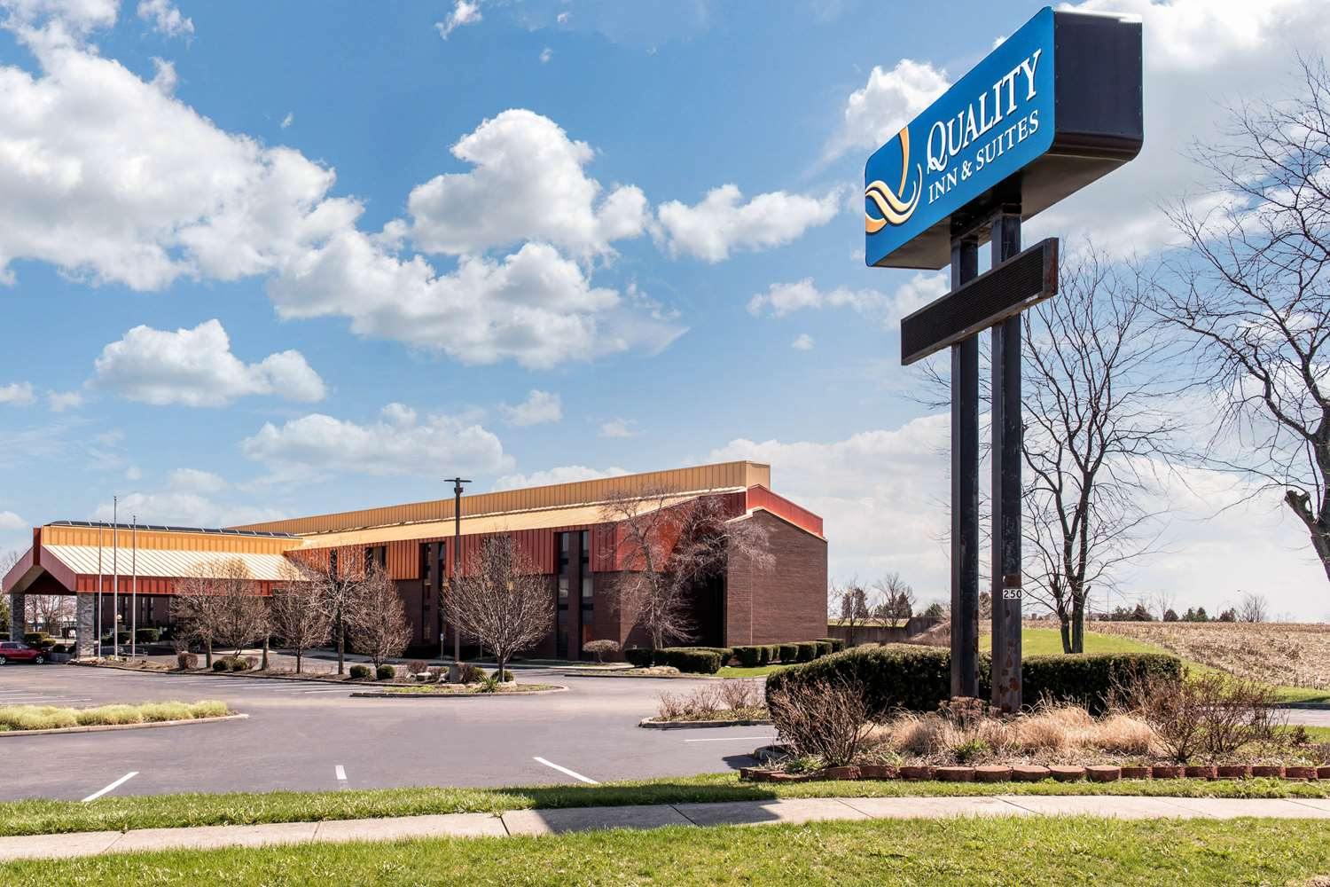 Exterior view - Quality Inn & Suites Miamisburg