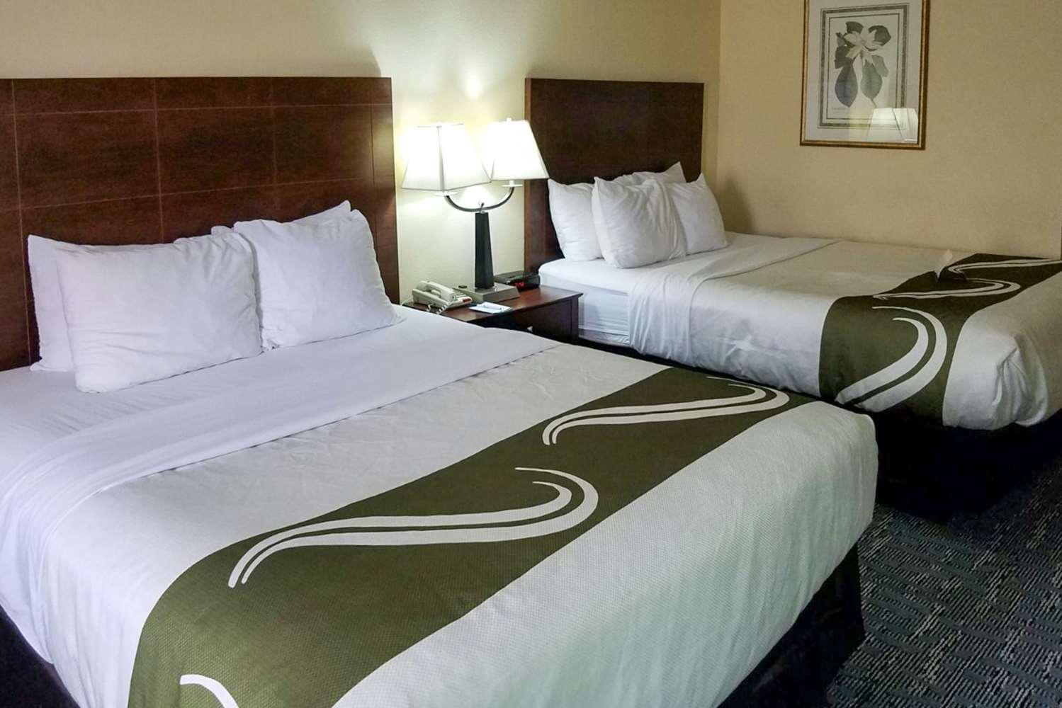 Room - Quality Inn Toledo West