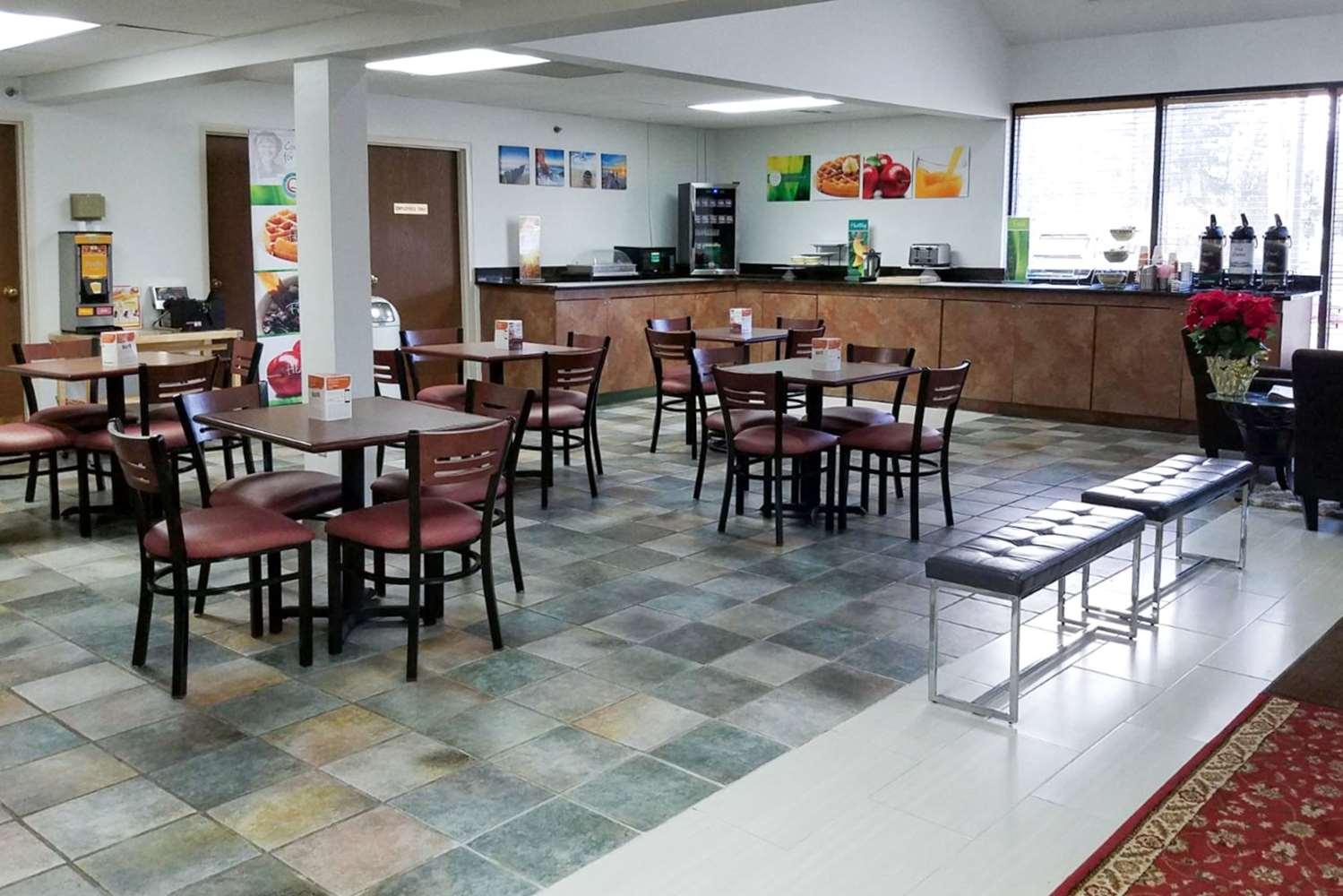 Restaurant - Quality Inn Toledo West