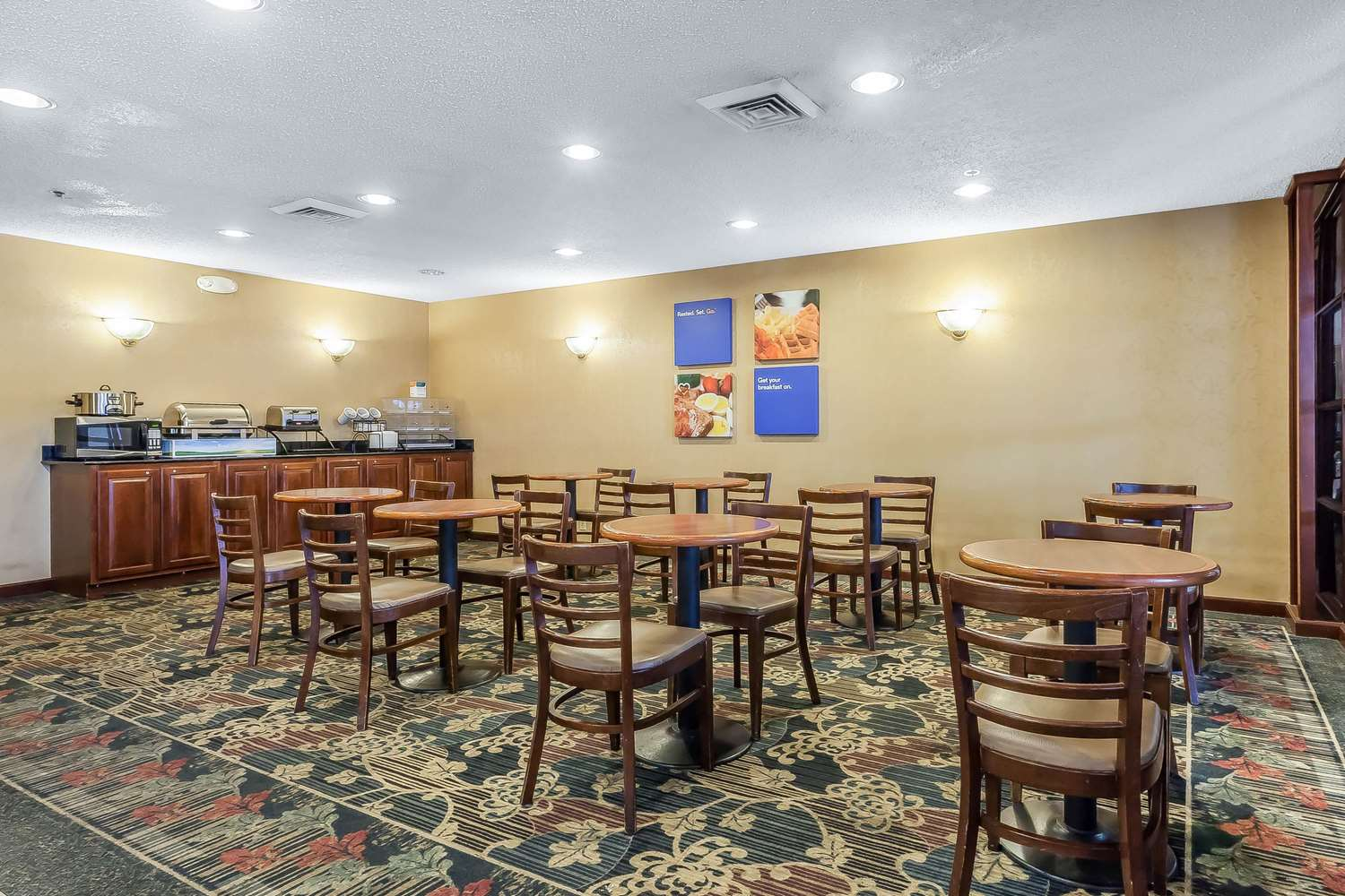 Restaurant - Comfort Inn Cleveland Airport Middleburg Heights