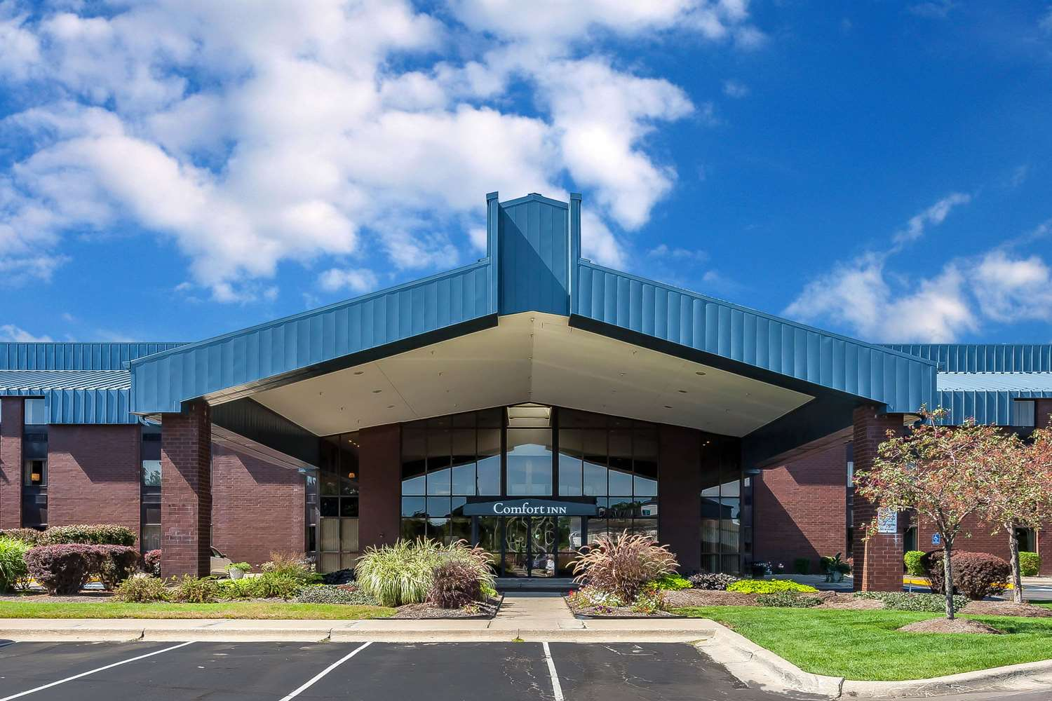 Exterior view - Comfort Inn Hall of Fame Canton