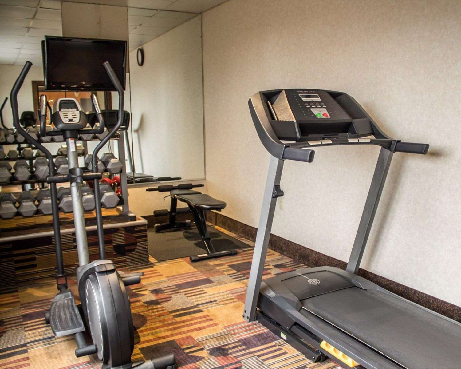 Fitness/ Exercise Room - Econo Lodge South Akron