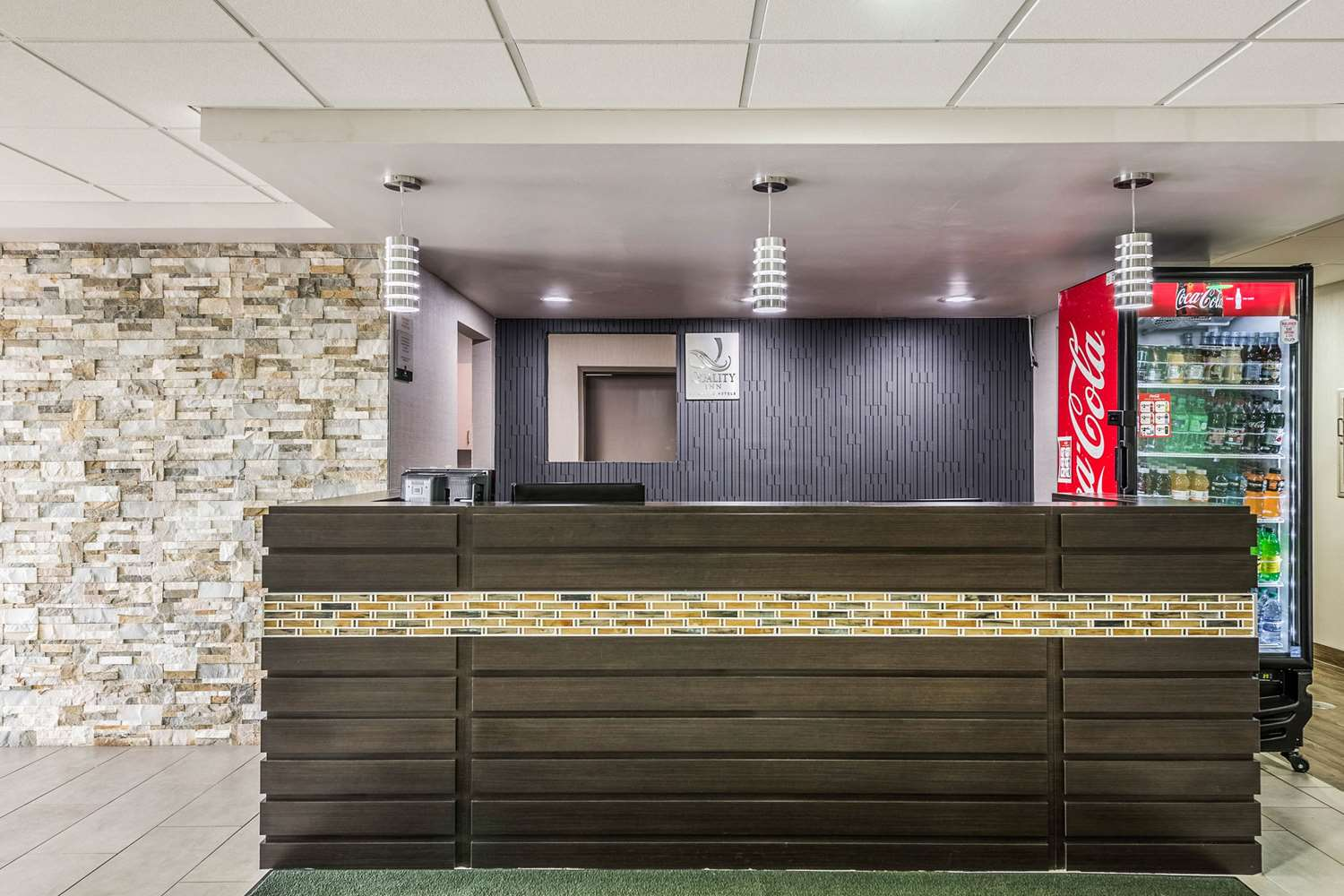 Lobby - Quality Inn Grove City