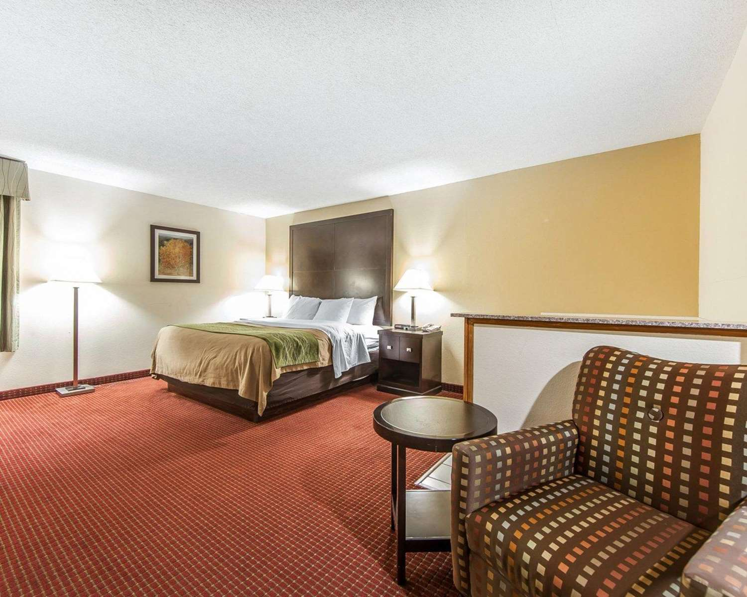 Room - Quality Inn & Suites Portsmouth