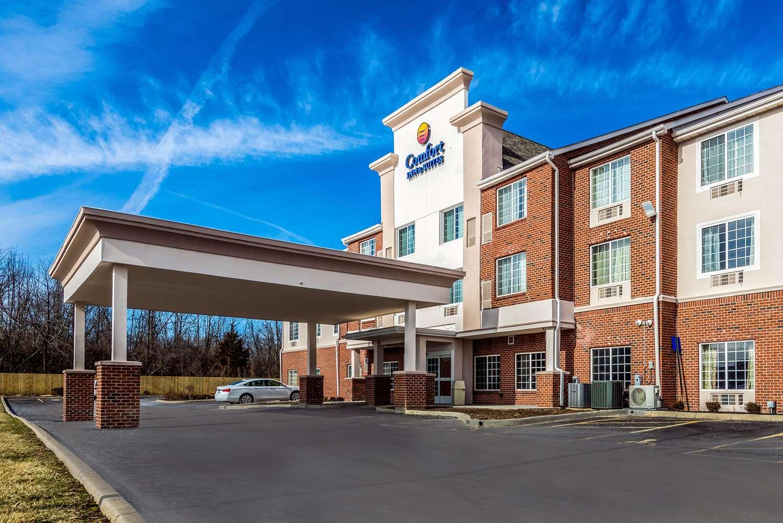 Exterior view - Comfort Inn & Suites Dayton