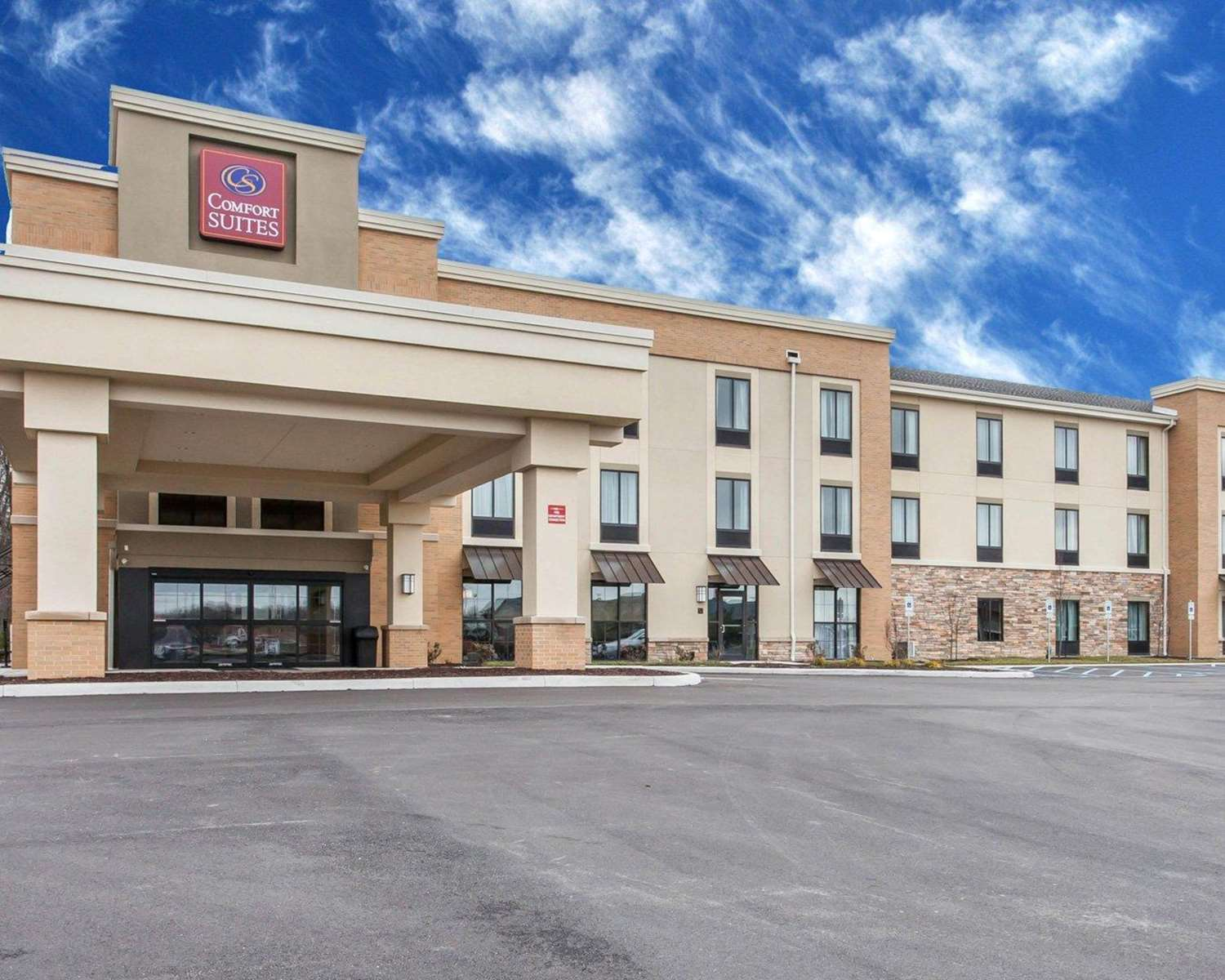 Exterior view - Comfort Suites North Youngstown