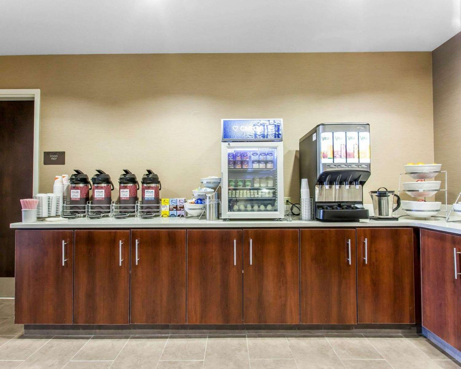 Restaurant - Comfort Suites North Youngstown