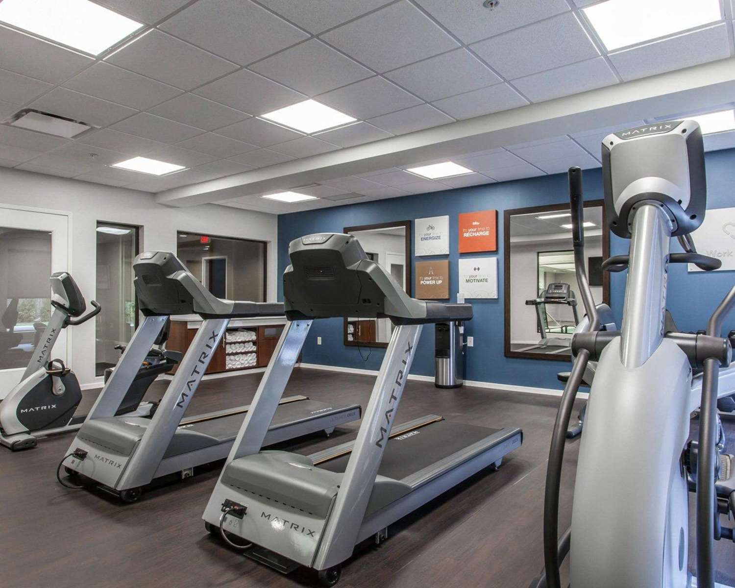 Fitness/ Exercise Room - Comfort Suites North Youngstown