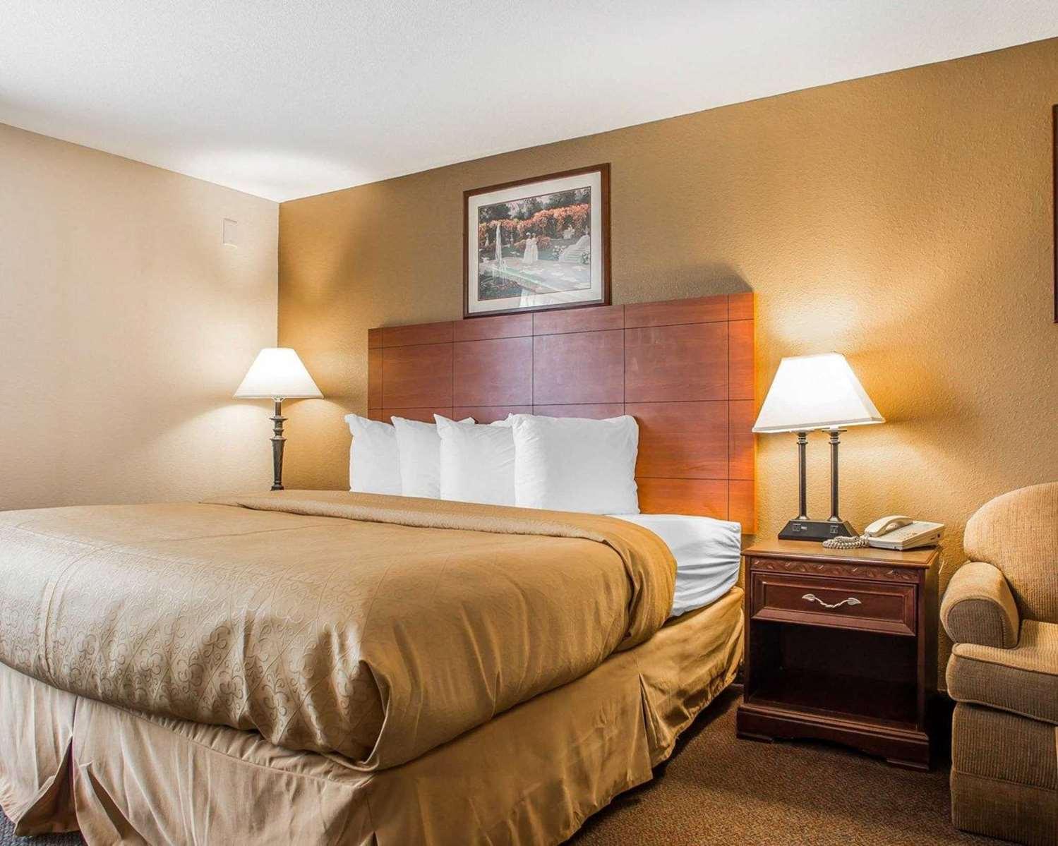 Suite - Quality Inn & Suites Franklin
