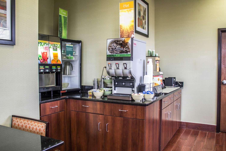 Restaurant - Quality Inn Canton