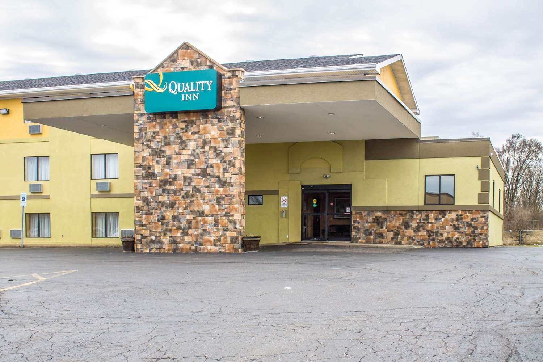 Exterior view - Quality Inn Canton