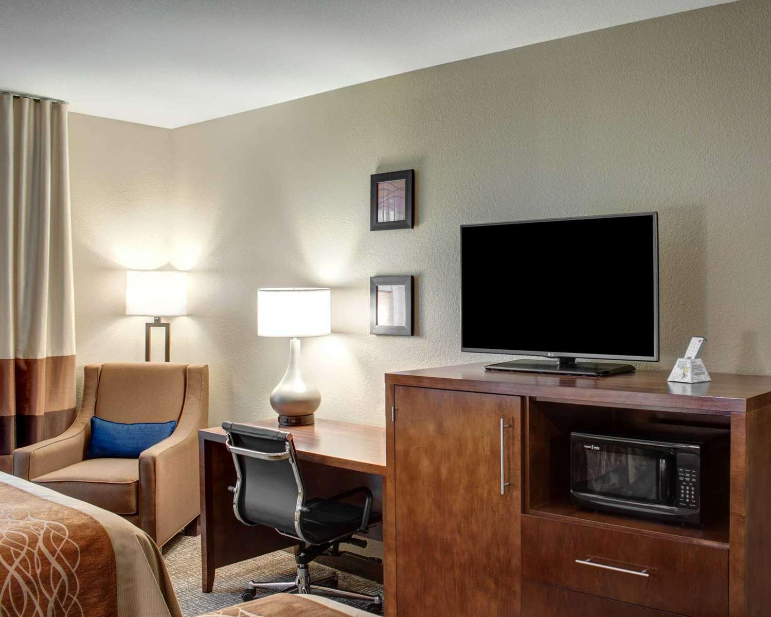 Room - Comfort Inn & Suites Caldwell
