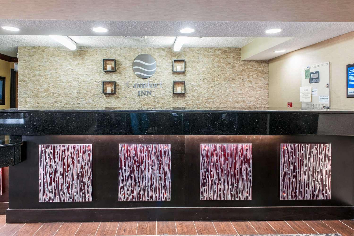 Lobby - Comfort Inn Blue Ash
