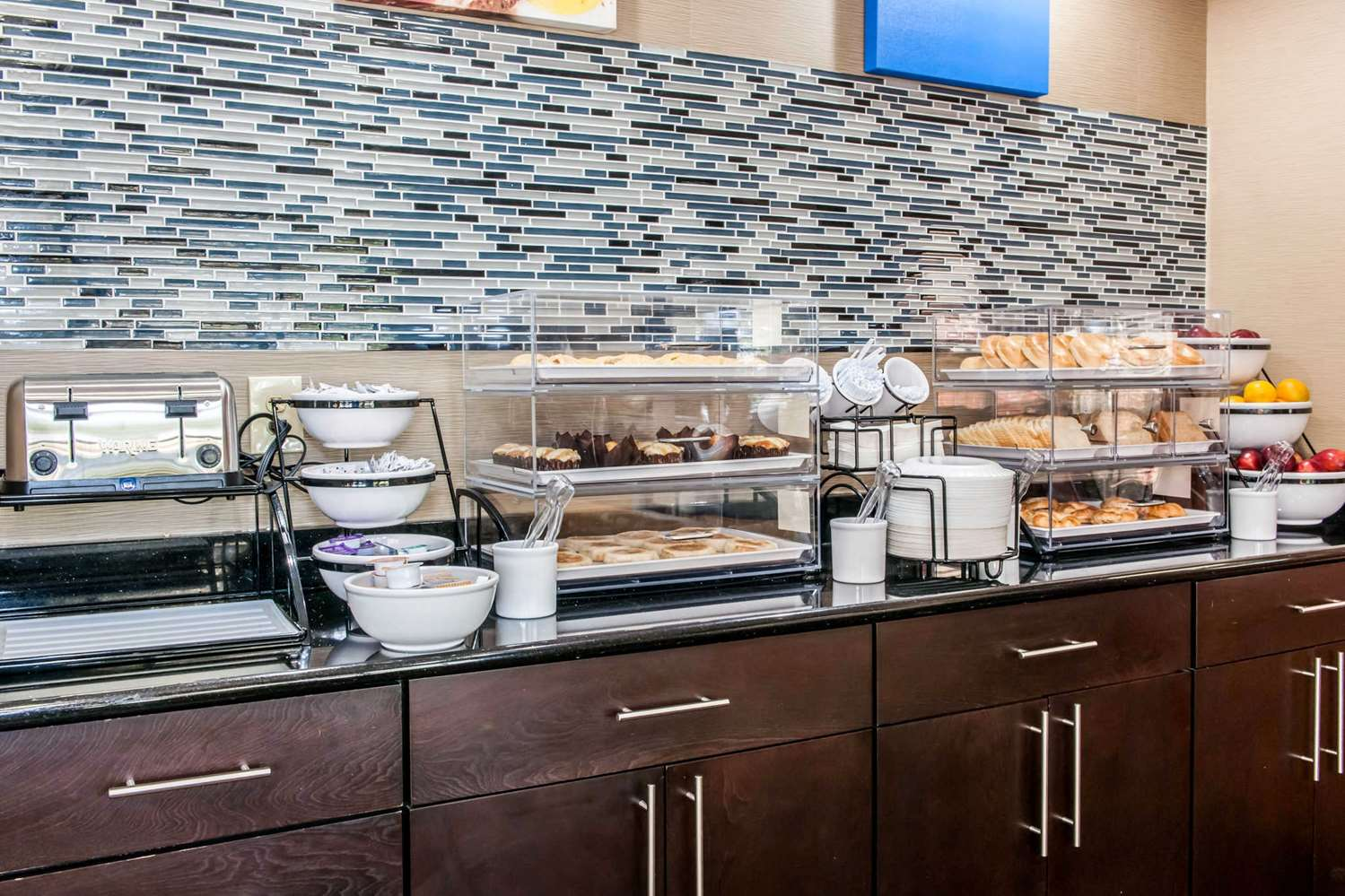 Restaurant - Comfort Inn Blue Ash