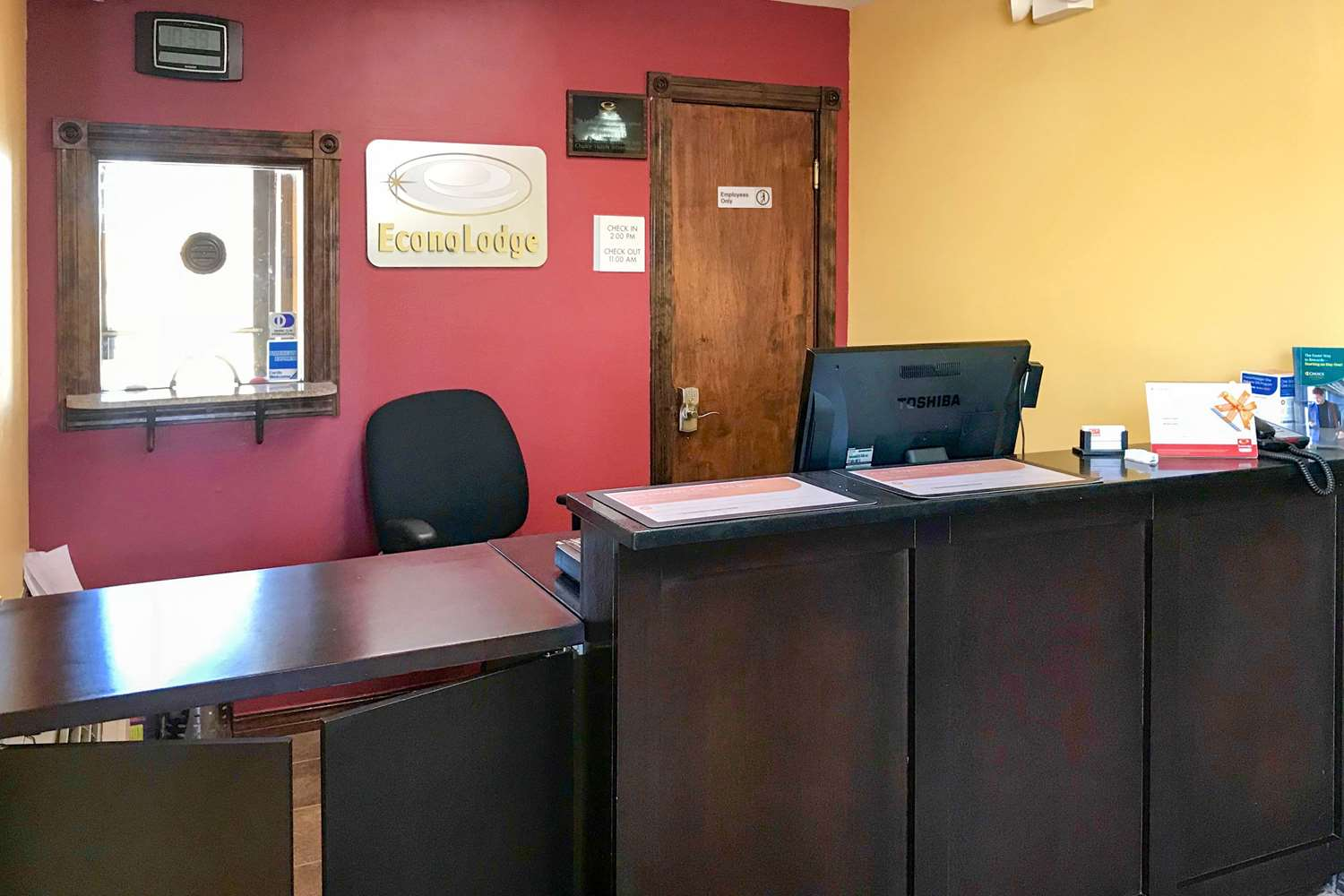 Lobby - Econo Lodge Purcell
