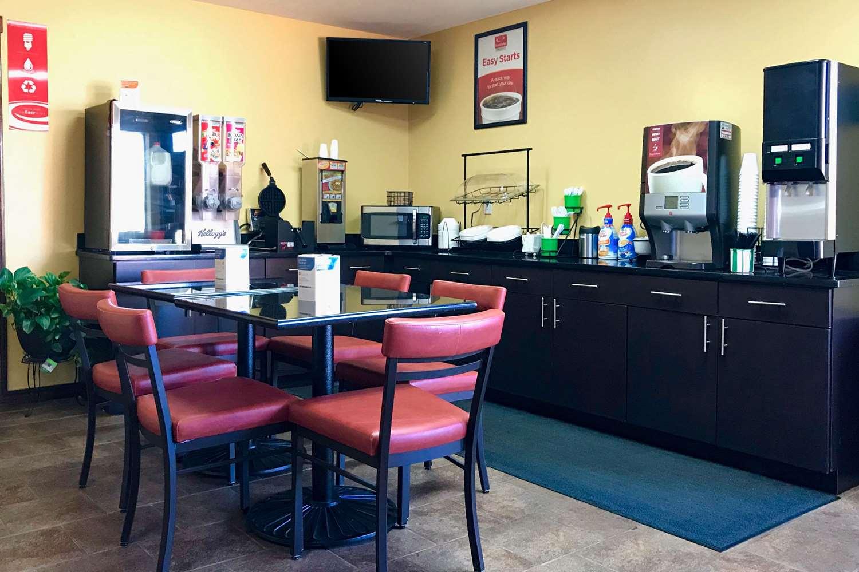 Restaurant - Econo Lodge Purcell