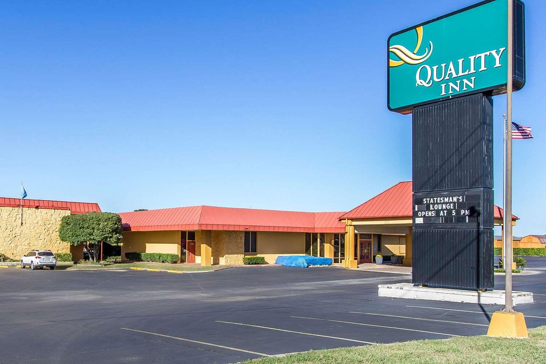 Exterior view - Quality Inn Ada