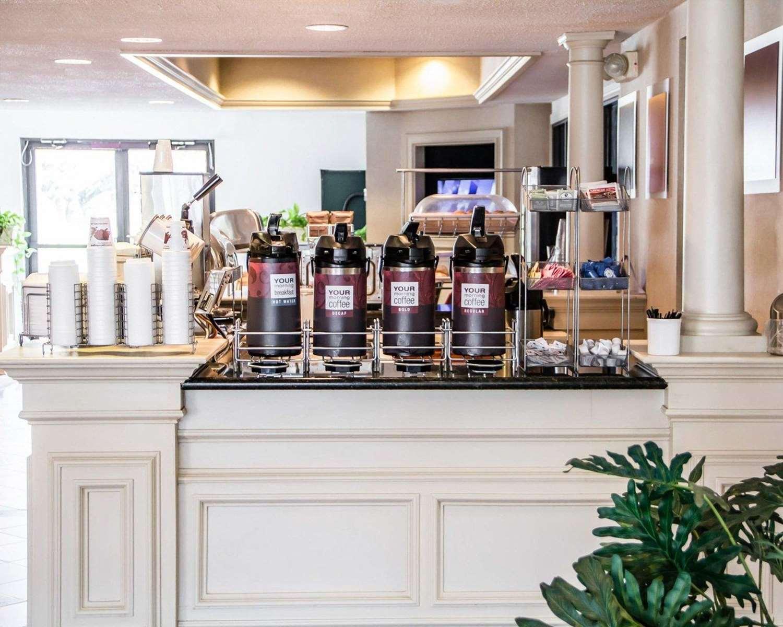 Restaurant - Comfort Suites McAlester