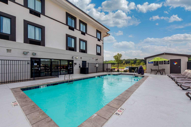 Pool - Sleep Inn & Suites Goldsby
