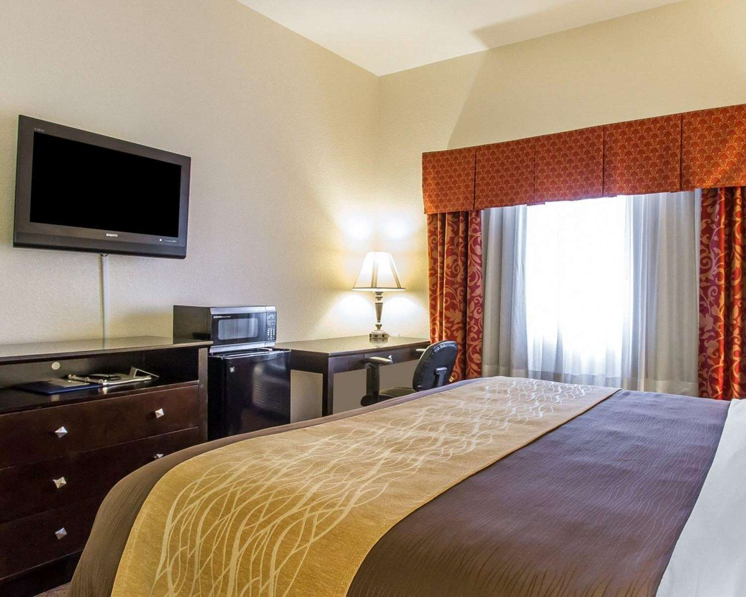 Room - Comfort Inn & Suites Atoka