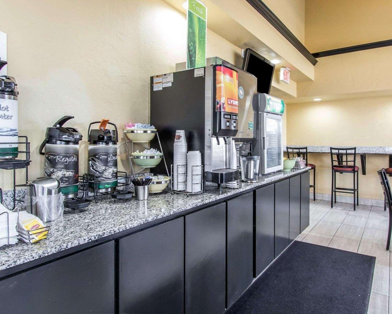 Restaurant - Quality Inn & Suites Oklahoma City